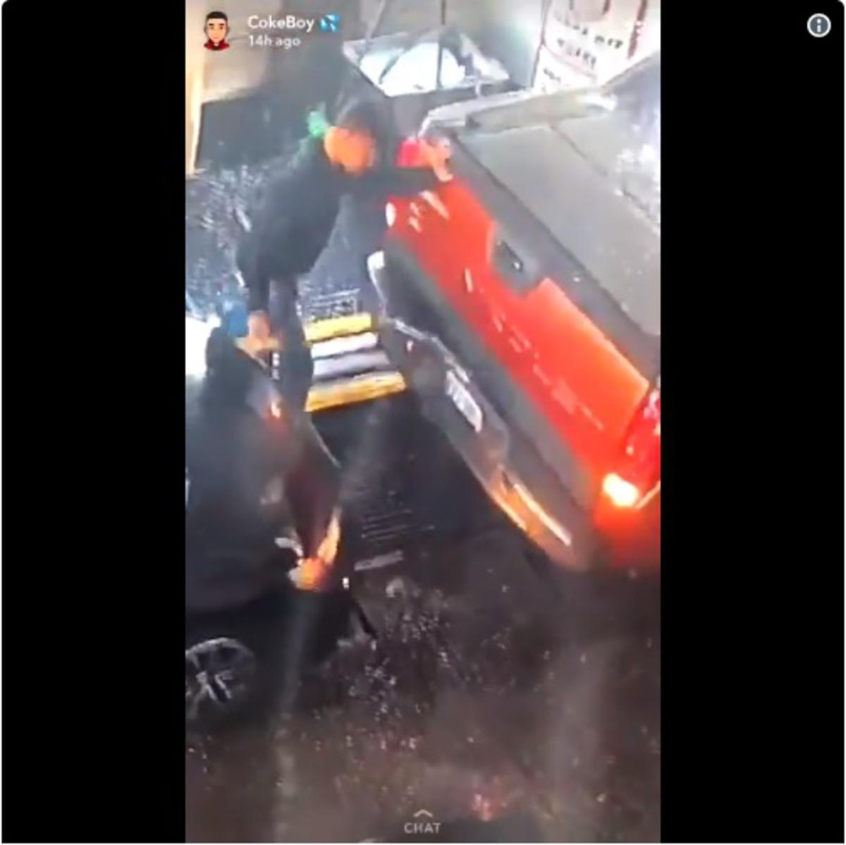 «Чёртов Супермен!»: парень предотвратил автоаварию своим телом