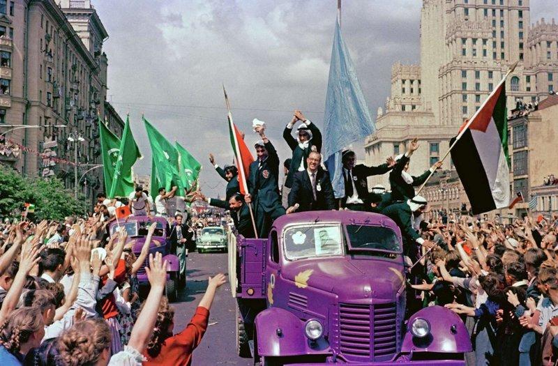 Всемирный фестиваль молодёжи 1957 года в Москве в фотографиях