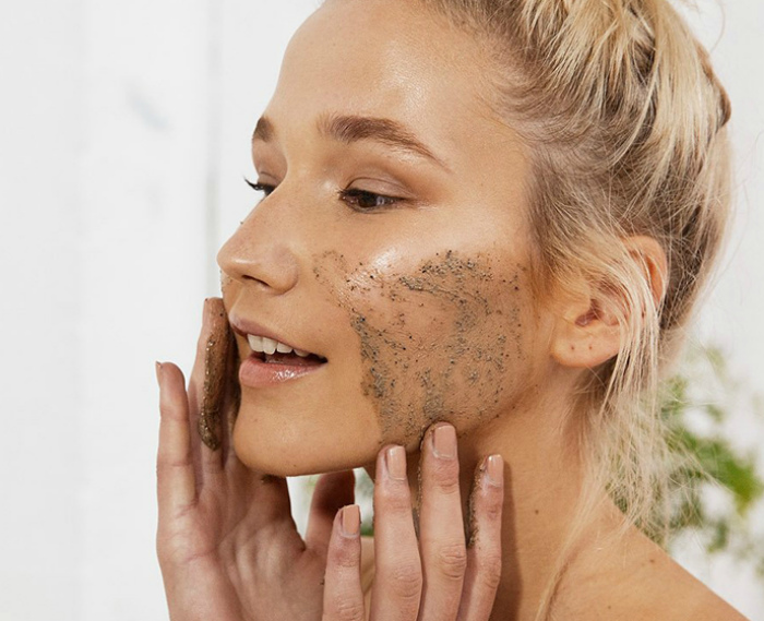 best-facial-scrub-for-acne-free-movies-of-teens-giving-footjobs