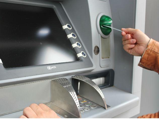 Банки вводят блокировку денежных переводов при подозрении на кражу