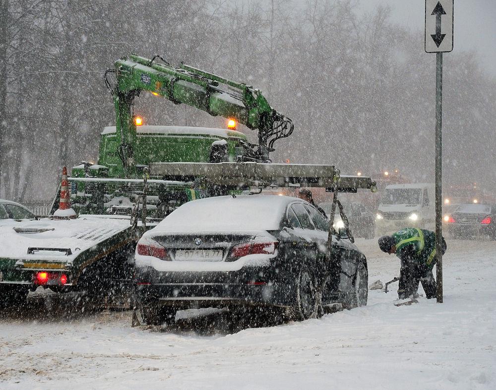 Снежные штрафы: москвичи просят отменить постановления из-за непогоды
