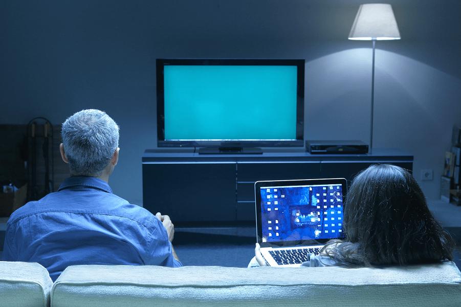 Телевизор теряет власть. Приобретают Интернет и соцсети