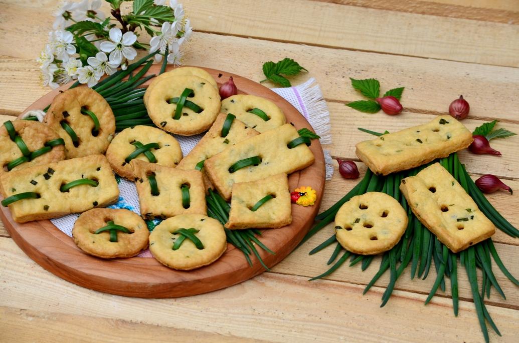 Сырные крекеры с зеленым лучком