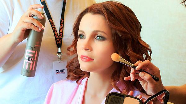 Выгляди как звезда! Как Екатерину Вуличенко готовили к съемке для «7 Дней»