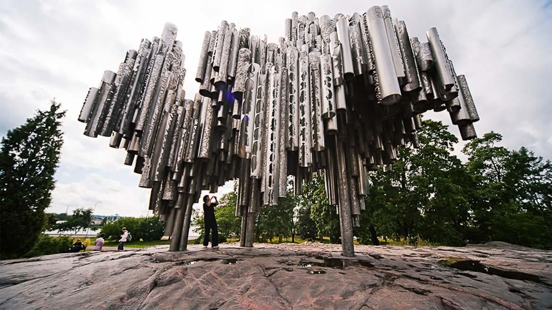 Поющий памятник Сибелиусу в Хельсинки, Финляндия