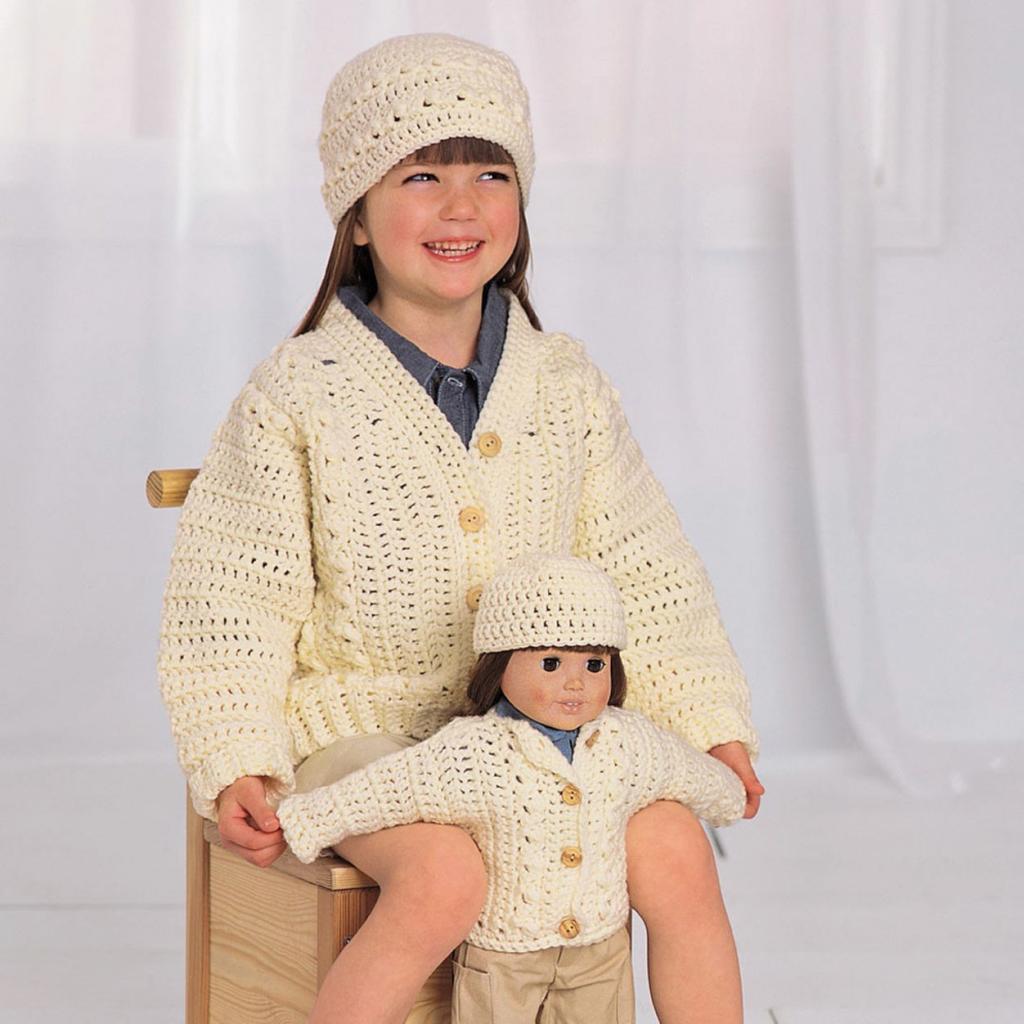 Одежда для куклы: вязание на спицах, описание с фото, техника выполнения работы и советы