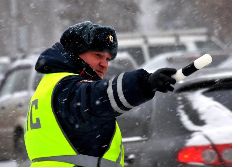 Хитрость бывалых водителей — глушить ли мотор, если вас остановил ДПС? авто и мото,водителю на заметку