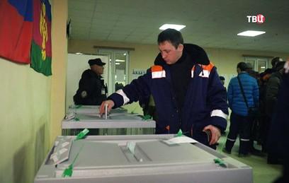 Строители моста в Крым проголосовали на выборах президента