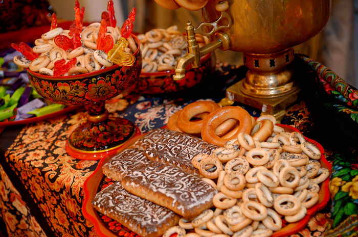 Конфетки-бараночки: Как появились в России традиционные сладости, и что в них было особенного