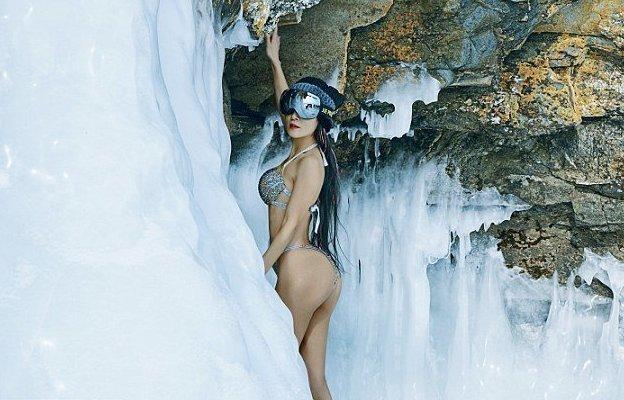 """""""Мои бикини - мои доспехи. В них я чувствую себя уверенной, здоровой и молодой"""", - говорит Елин Лю Елин, байкал, возраст, купальник, молодость, сибирь, фотосессия"""
