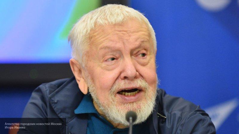 """""""Мэш"""" сообщил, что режиссер """"Ассы"""" Соловьев перенес инсульт и находится в реанимации"""
