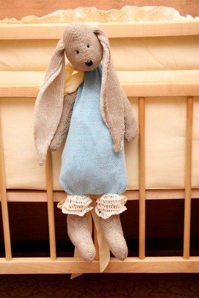Заяц — пижамница. Полезная игрушка для малыша + описание мастер класс
