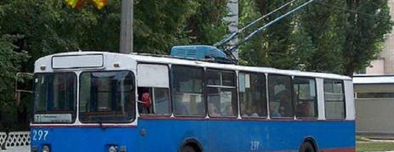 Лет 15 назад я, молодая, тонкая и звонкая, работала водителем троллейбуса…