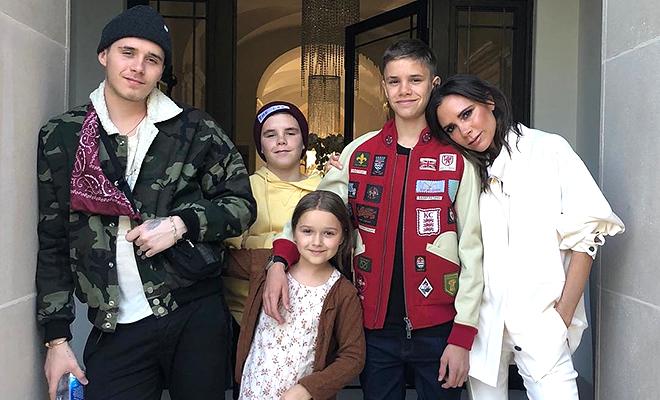 Виктория Бекхэм с сыновьями …