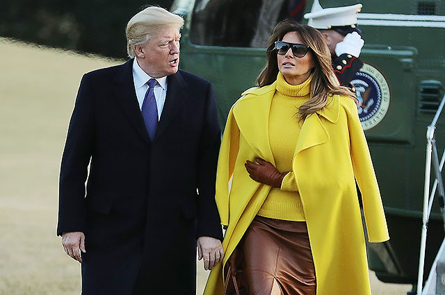 Кожаная юбка и желтое пальто: новый яркий образ Мелании Трамп