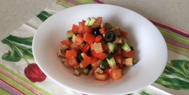 Постный греческий салат с тофу