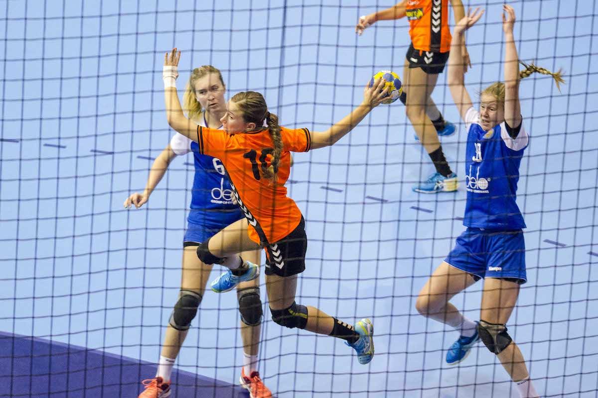 Женская молодёжная сборная России вышла в полуфинал чемпионата Европы до 19 лет.