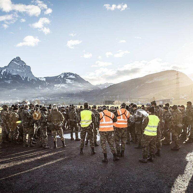 Швейцарцы считаются военнообязанными до 55 лет жизнь в Швейцарии, интересно, факты, швейцария