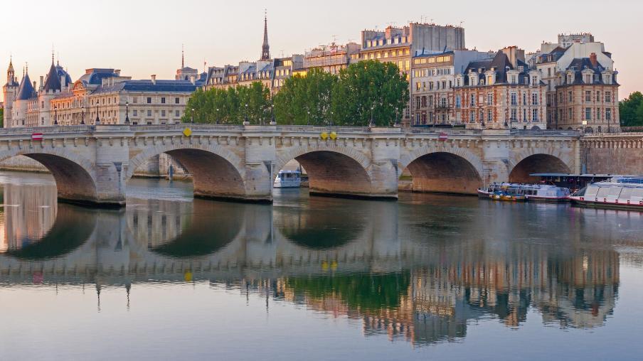 По следам мушкетеров в Париже авиатур