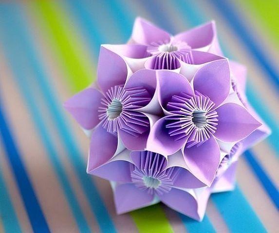 Кусудамы - шары счастья. Такую красоту из бумаги можно сделать для новогоднего декора