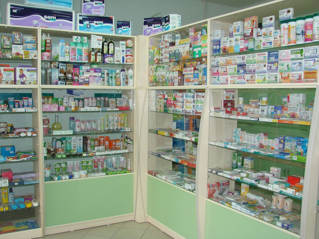 Как сэкономить на лекарствах? Советы идущим в аптеку