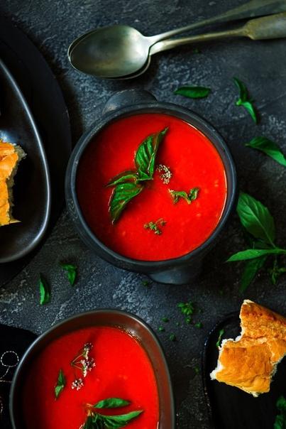 Суп из печёного перца и томатов