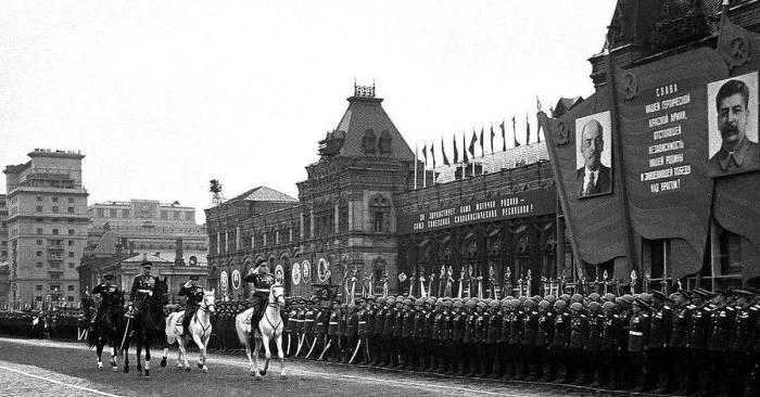 Отбирали военных на парад очень строго./Фото: rvio.histrf.ru