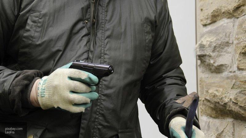 Петербуржец лишился 3 млн рублей после встречи с грабителем