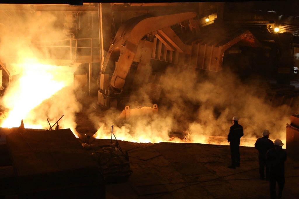 На Украине всё майданят, а на Донбассе люди работают!