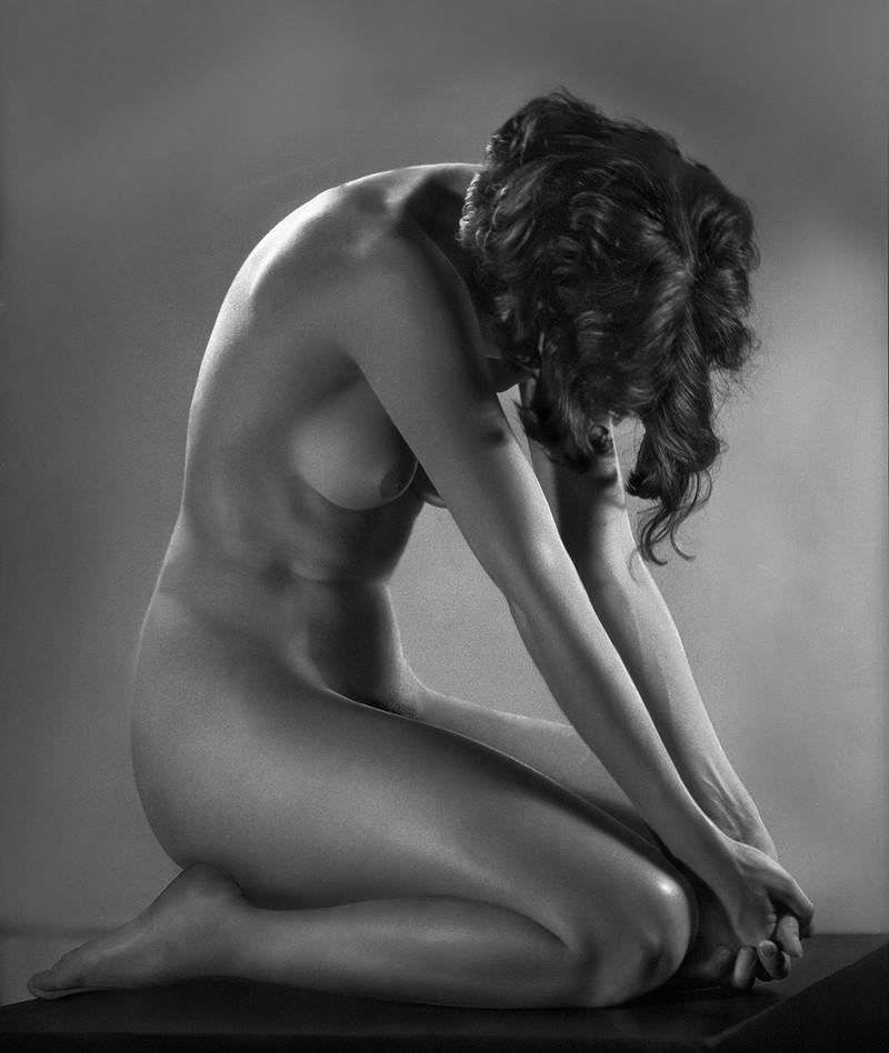 Тело, свет, отражение. Легенда аргентинской фотографии Аннемари Генрих  27