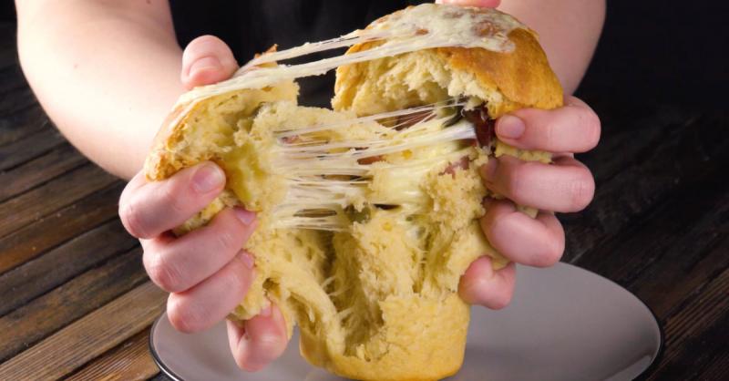 Готовим самый оригинальный домашний хлеб — с начинкой и в железной банке