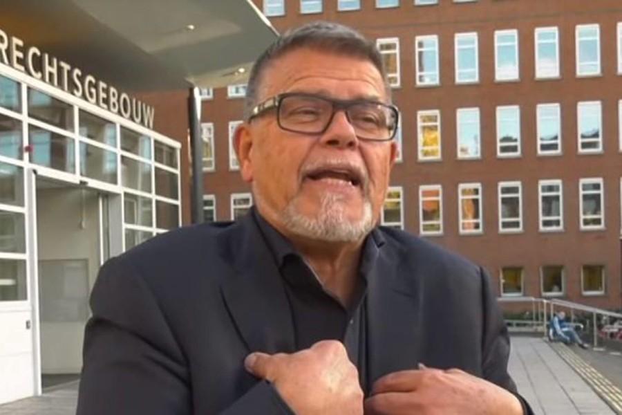 69-летний мужчина требует по…
