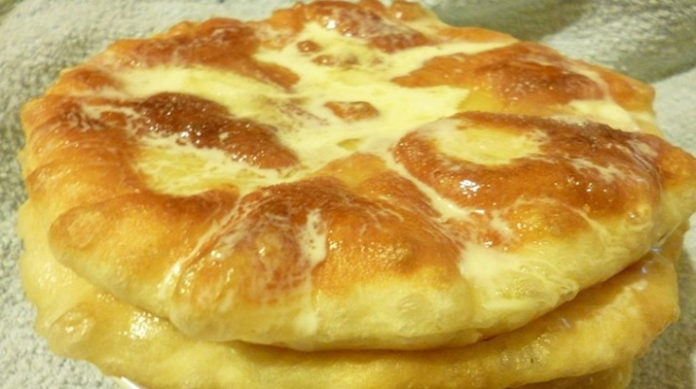 Пышечки со сметаной и сахаром: объедение на завтрак