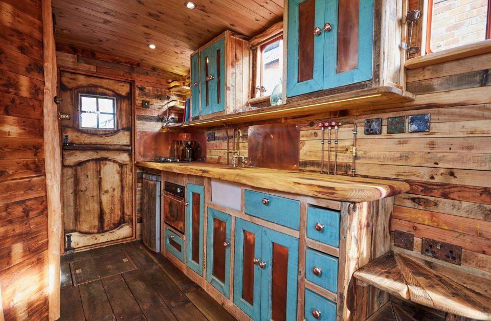 фото как старенький домик переделать голландская витрина изготовлена