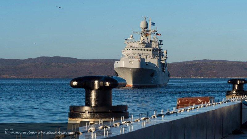 """""""Иностранное присутствие в Черном море они не потерпят""""—эксперт объяснил присутствие эсминца """"Североморск"""" у берегов Крыма"""