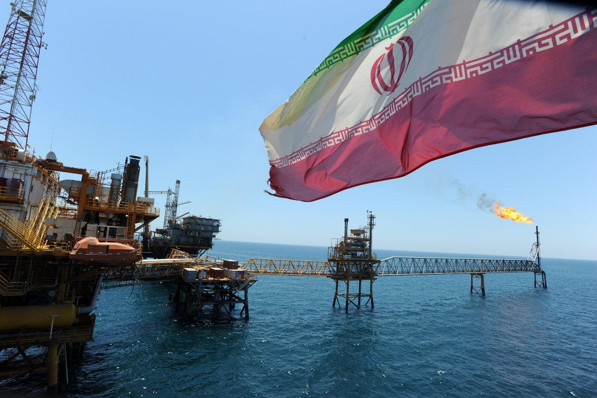 Россия готова вложить 50 млрд долларов в нефтегазовую промышленность Ирана