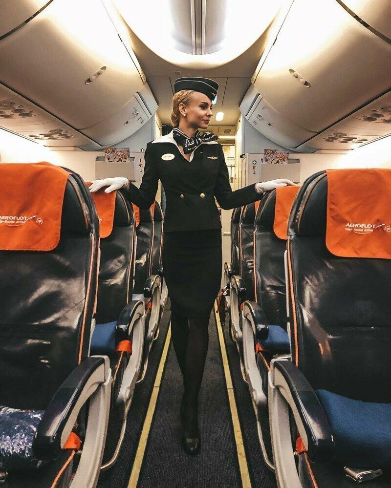 Любой перелет с этими очаровательными стюардессами превратится в незабываемое путешествие картинки
