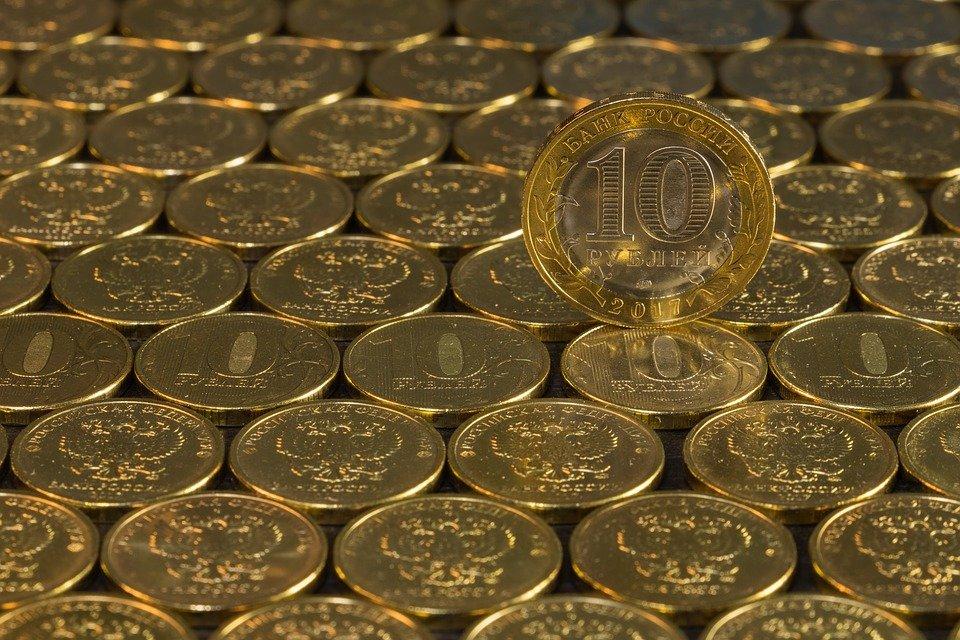 Сбербанк ухудшил прогноз по национальной валюте