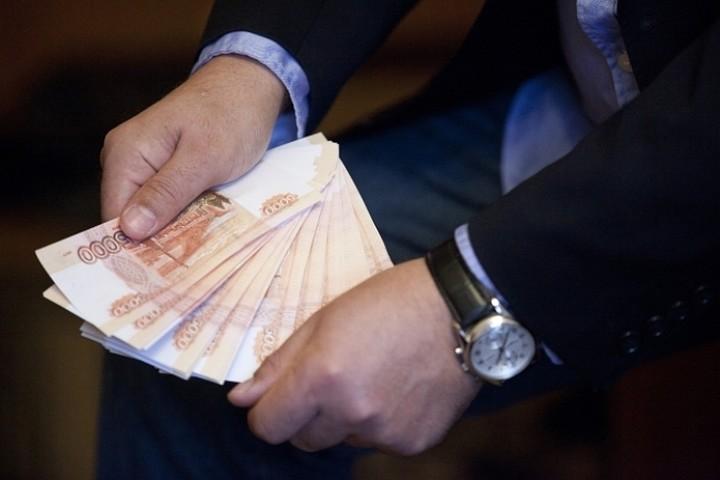 Реальные доходы россиян за август сократились на 0,7%