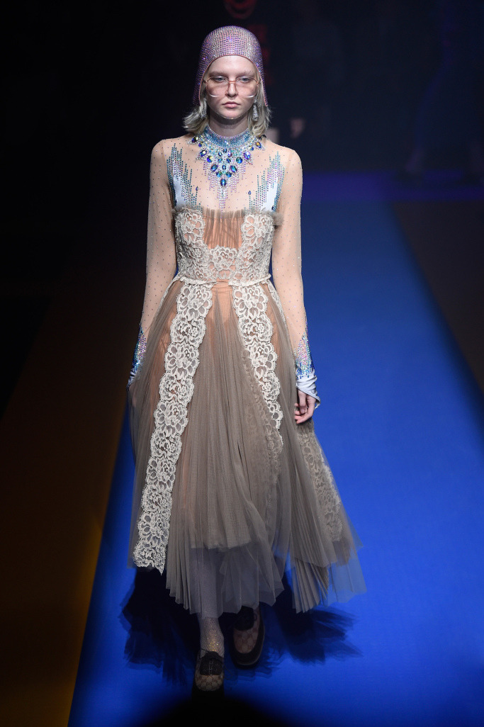 1f92ade93025 Неделя моды в Милане  коллекция Gucci весна-лето 2018