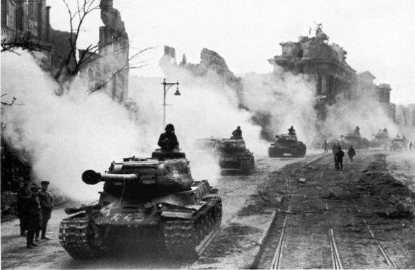 «Ни при каких обстоятельствах не ввязываться в бой со «Сталиными»