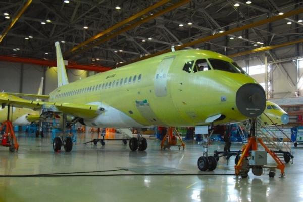 Минпромторг предложил закрепить остаточную стоимость самолетов SSJ 100 и МС-21