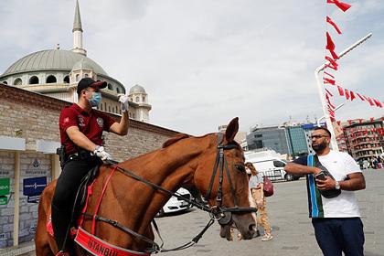Стало известно о надвигающемся на Турцию дефиците мест на курортах