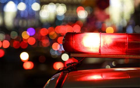 «Спаситель мира» разгромил 10 машин и нанес повреждения полицейскому