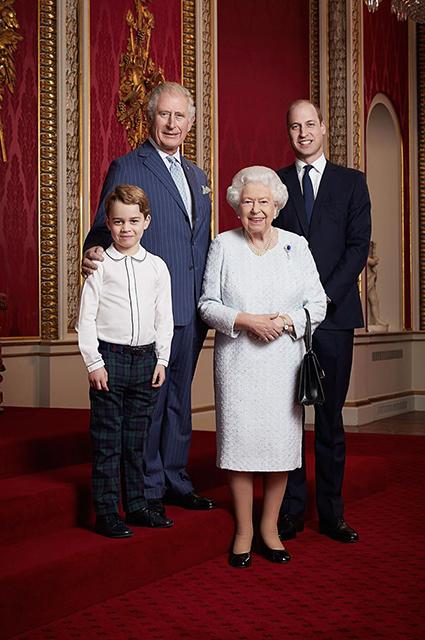Принц Уильям и Кейт Миддлтон уже готовят принца Джорджа к тому, что он однажды станет королем Звездные дети