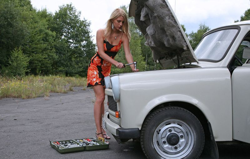 Блондинки на авторынке автомобили,блондинки,юмор