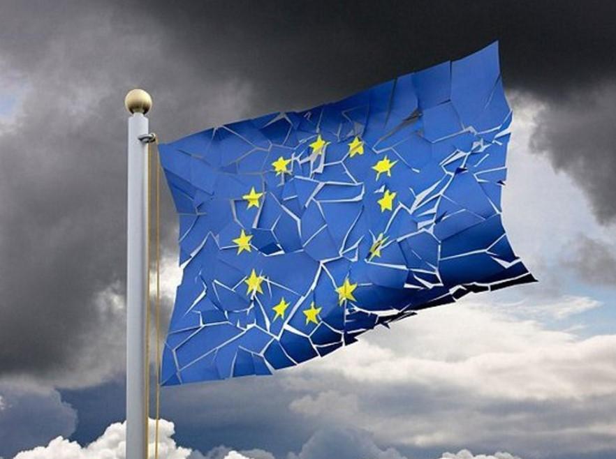 Удар коронавируса по французской экономике может стоит единства ЕС
