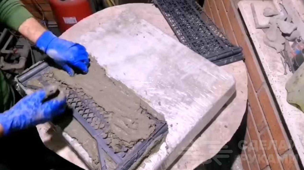 Декоративный заборчик из пластиковых ящиков и цемента самоделкин