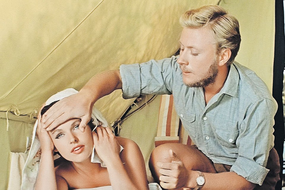 Появилась еще одна актриса, которая заполняла паузы неустроенной жизни Миронова актер