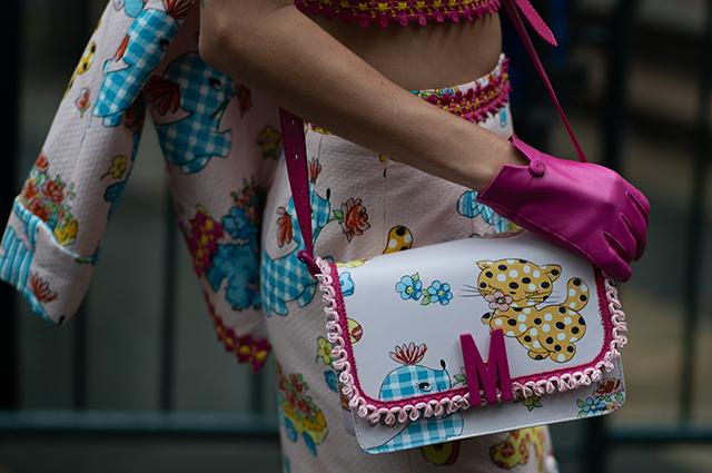 """Неделя моды в Нью-Йорке: Ирина Шейк, Джиджи Хадид, Меган Фокс и другие на """"детском"""" показе Moschino Новости моды"""